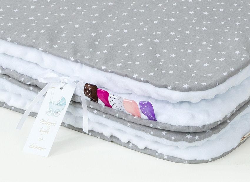 MAMO-TATO Kocyk Minky dla dzieci 100x135 Mini gwiazdki białe na szarym / biały