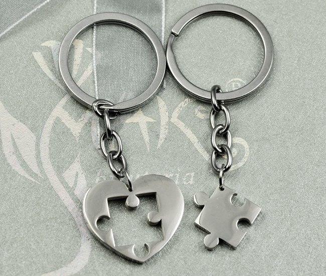 BK915 Breloki do kluczy dla zakochanych serce puzzel grawer