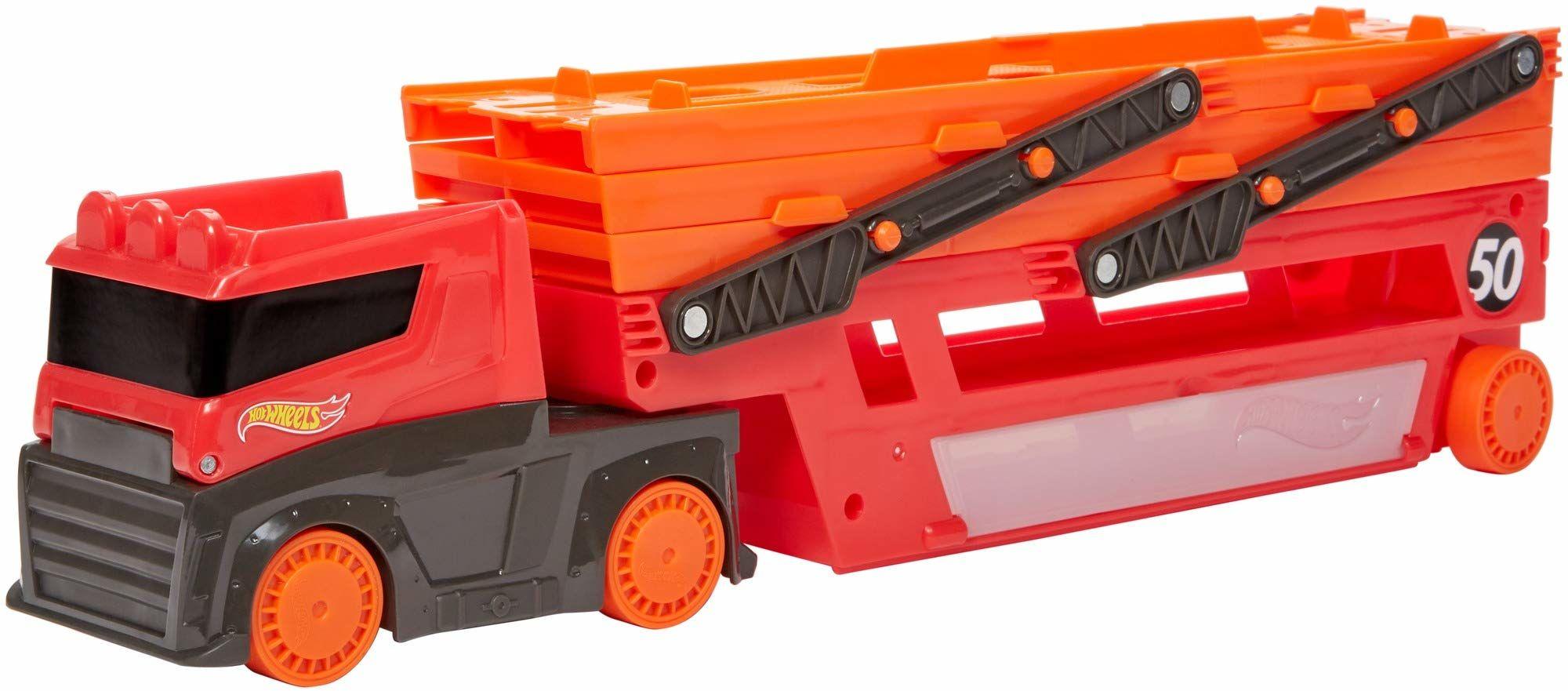Hot Wheels, Mega Transporter Z Miejscem Na 50 Aut W Skali 1:64 Dla Dzieci Od 3 Lat GWT37