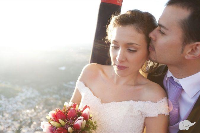 Fotograficzna sesja ślubna w balonie Wiele Lokalizacji