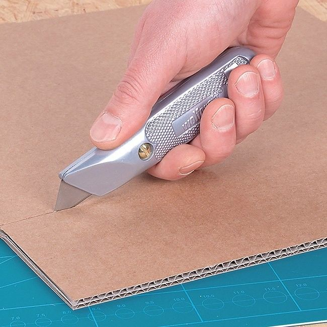 Nóż metalowy Wolfcraft stałe ostrze