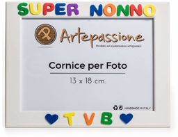 Drewniana ramka na zdjęcia z napisem Super Nonno Tvb z sercami, wielokolorowa, 13 x 18 cm