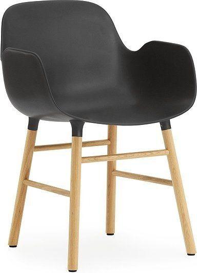Fotel form czarny z dębową ramą