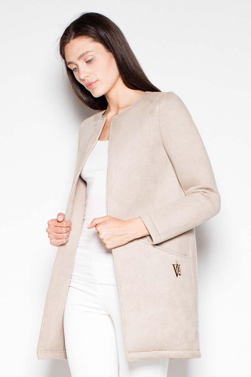 Beżowy krótki pudełkowy płaszcz bez zapięcia