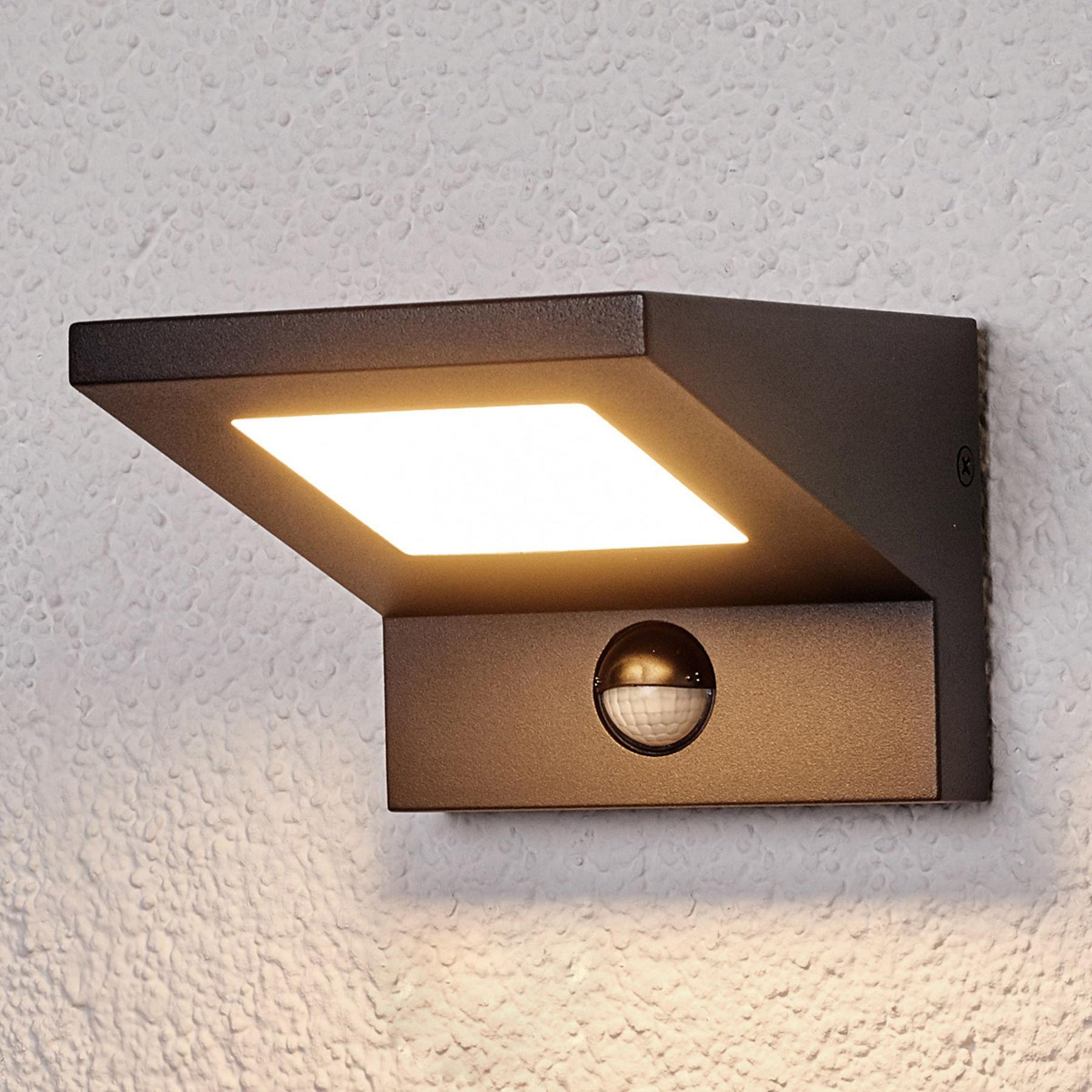 Zewnętrzna lampa ścienna LED LEVVON z czujn. ruchu