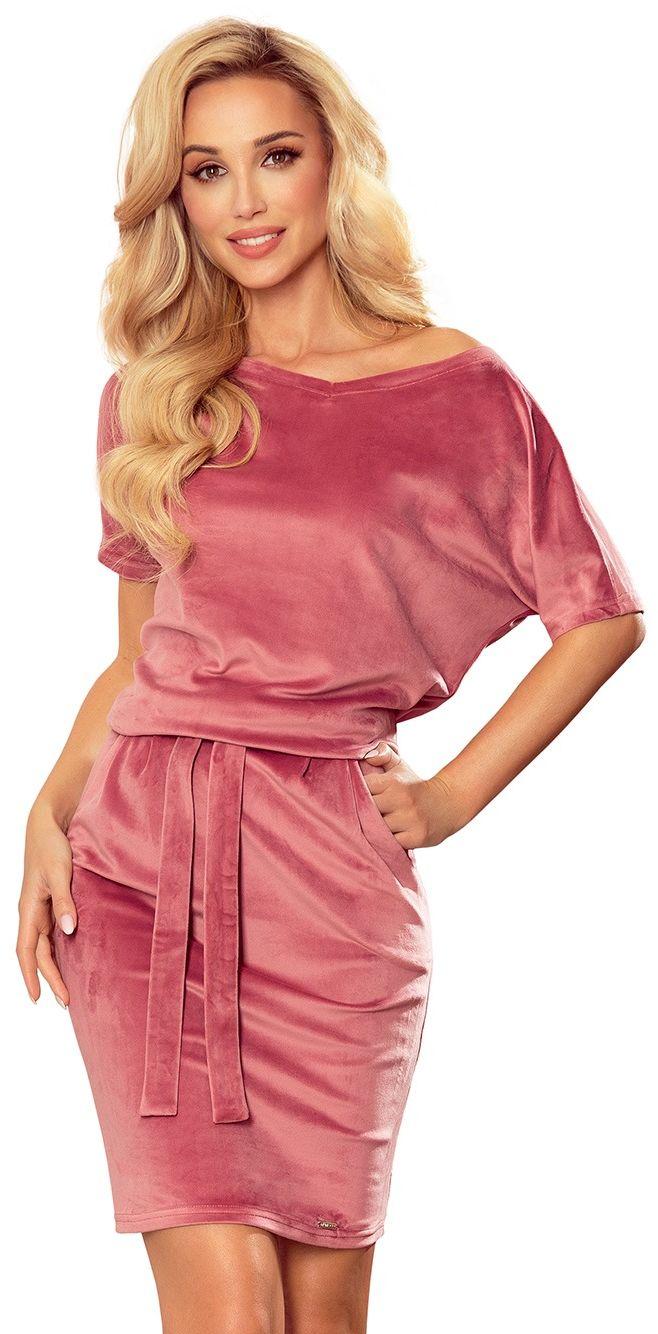 Nowoczesna prosta sukienka z szerokim dekoltem - różowa