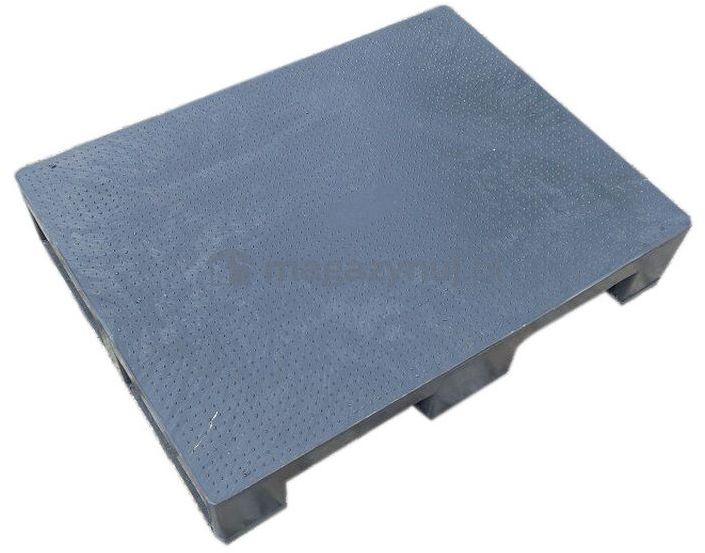 Paleta plastikowa 1/2 Euro 800x600 mm, z płozami, powierzchnia antypoślizgowa (kolor czarny)