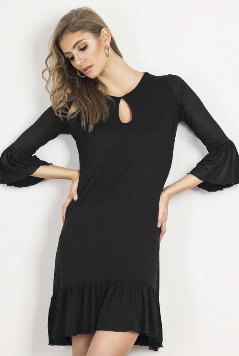 Czarna luźna sukienka dzianinowa z falbankami