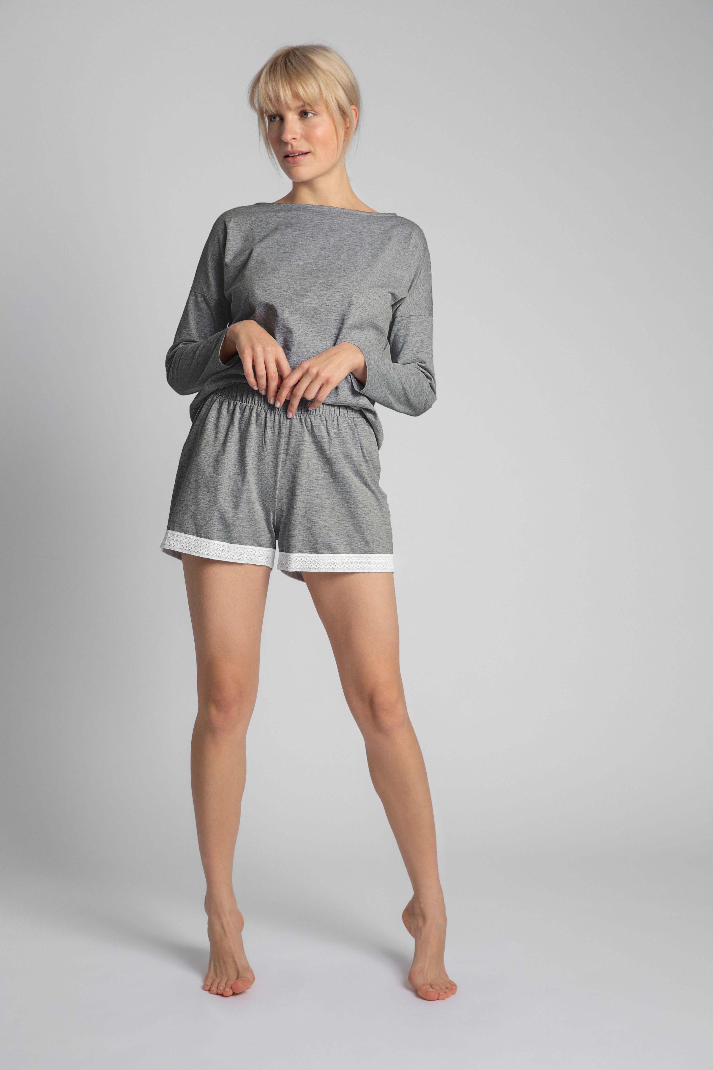 Krótkie spodenki od piżamy z koronką - szare