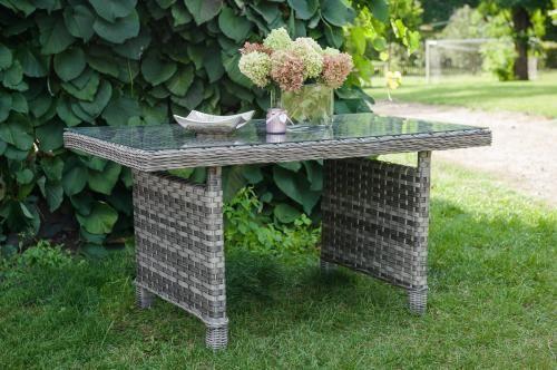 Stół ogrodowy z brązowego technorattanu DIVINO