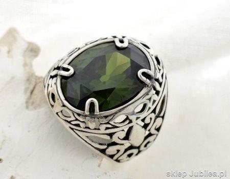 Srebrny pierścień sygnet z oliwinem - leon