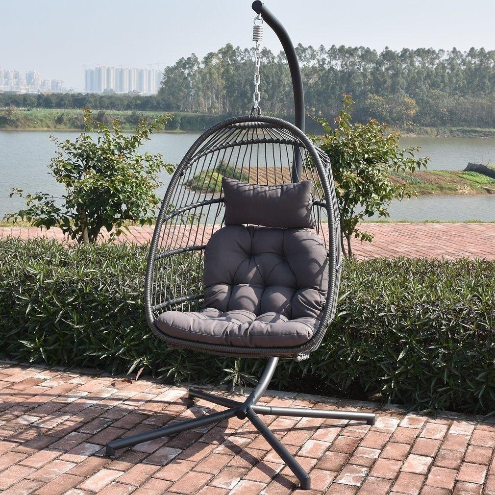 Huśtawka fotel na tarasie