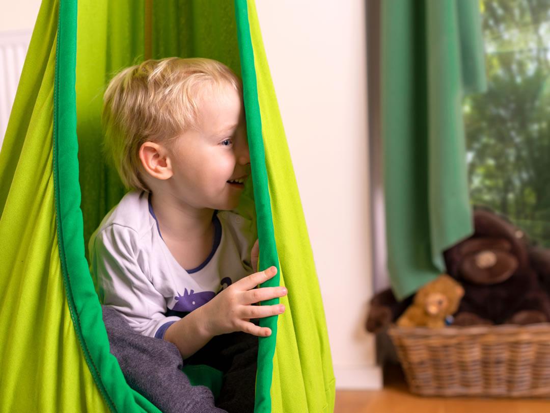 Fotel hamakowy w pokoju dziecięcym