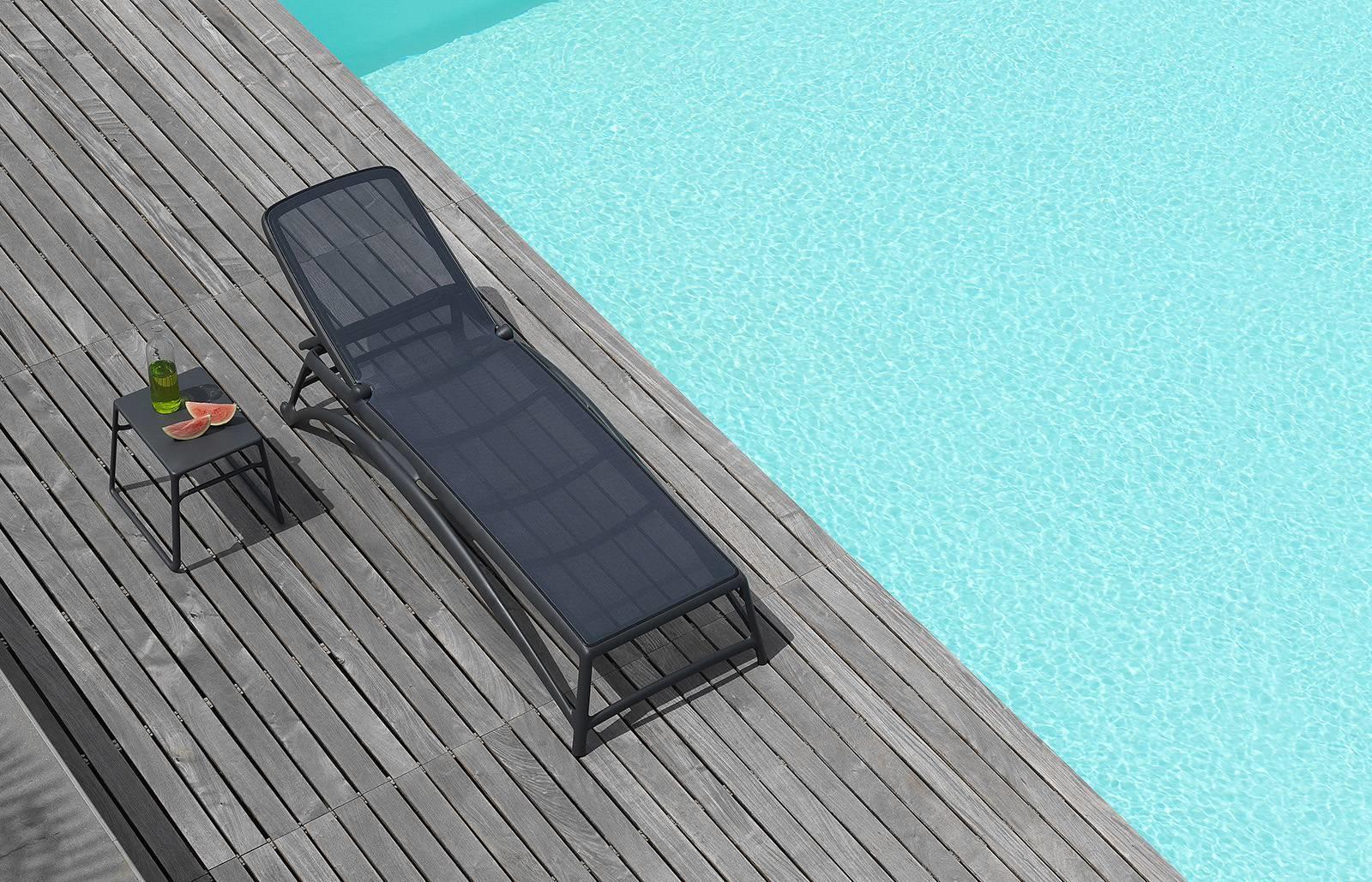 Leżak na basenie