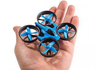 Miniaturowy dron mieszczący się na dłoni