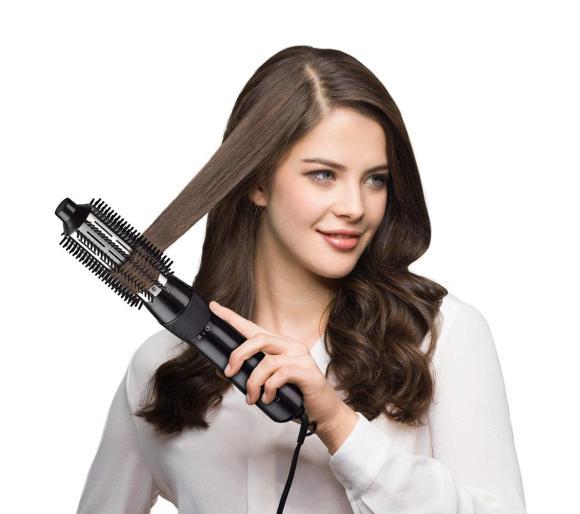 Modelowanie włosów suszarko lokówką Braun