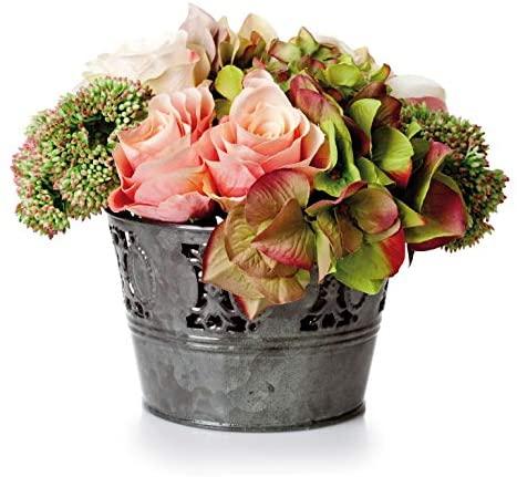 Kompozycja ze sztucznych hortensji, róż oraz liści w metalowej doniczce