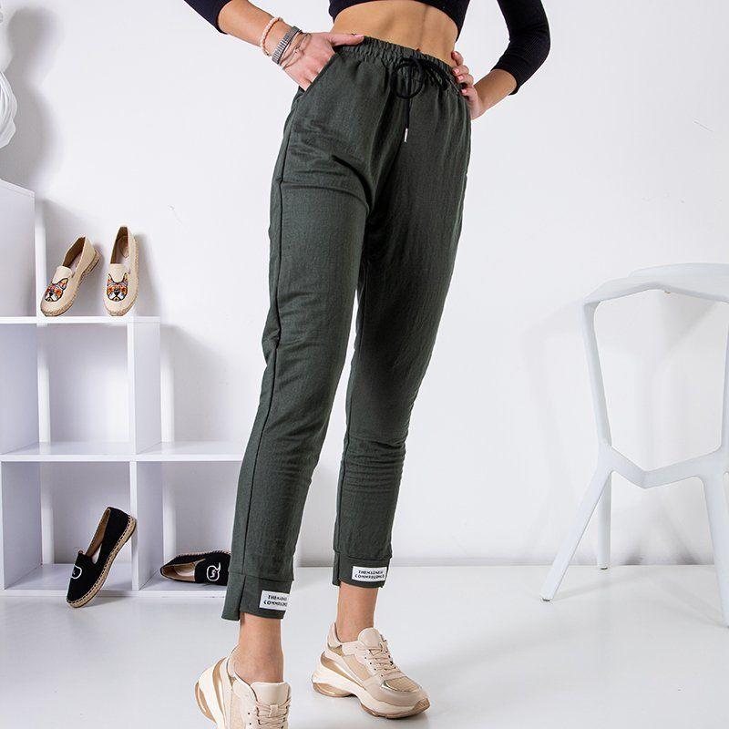 Spodnie dresowe z naszywkami